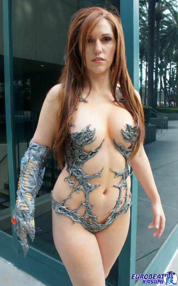 japan-cosplay-naked