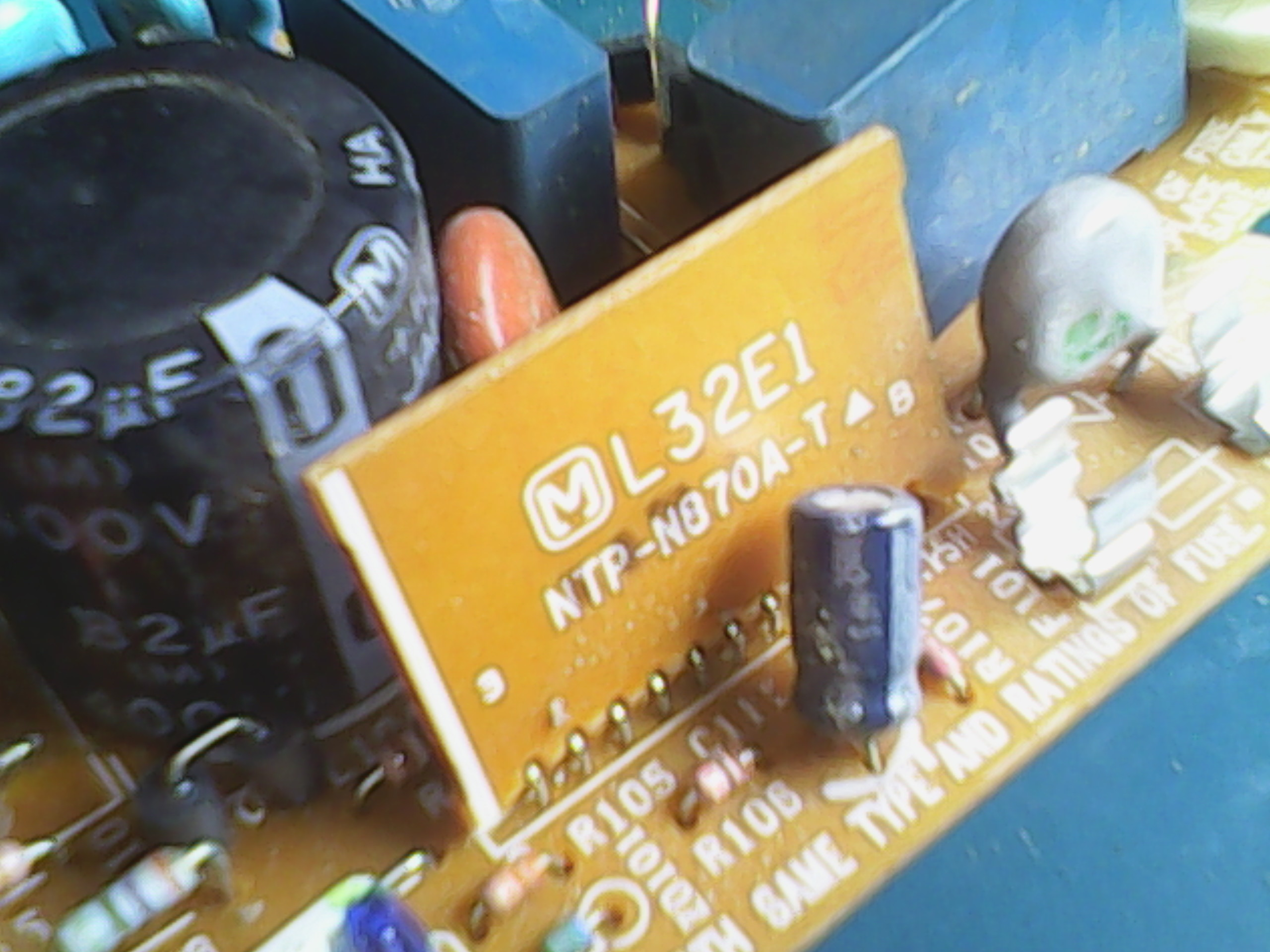 Figure 31 Bank Of Capacitors Used The 7805 Regulator And 7812 Mains Ac Dc Converter With Sr03x 815346