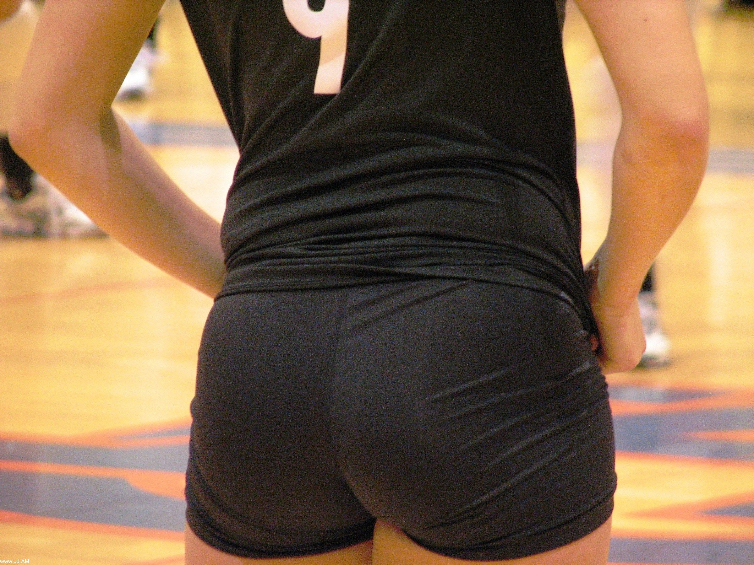 tight-volleyball-shorts-how-a-guy-loses-his-virginity
