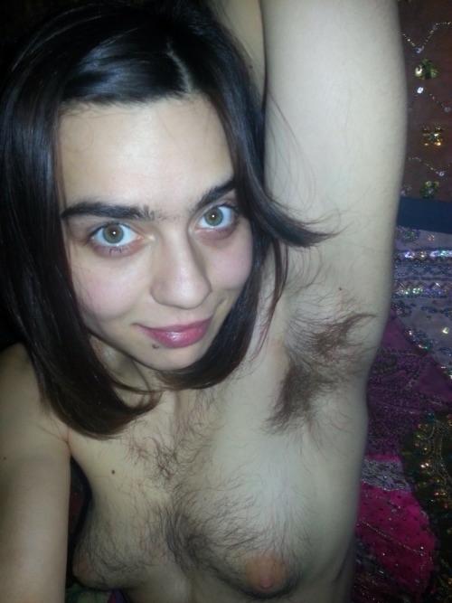 Фото очень волосатые девушки 14880 фотография