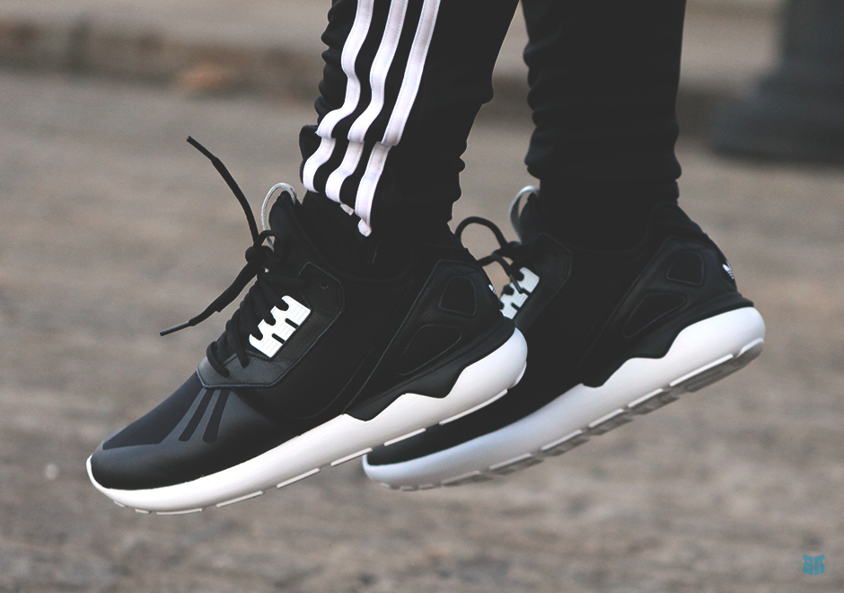 Adidas Tubular Size 4