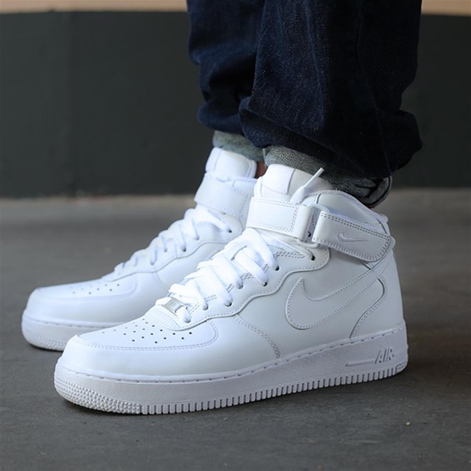 nike air force one mid 43